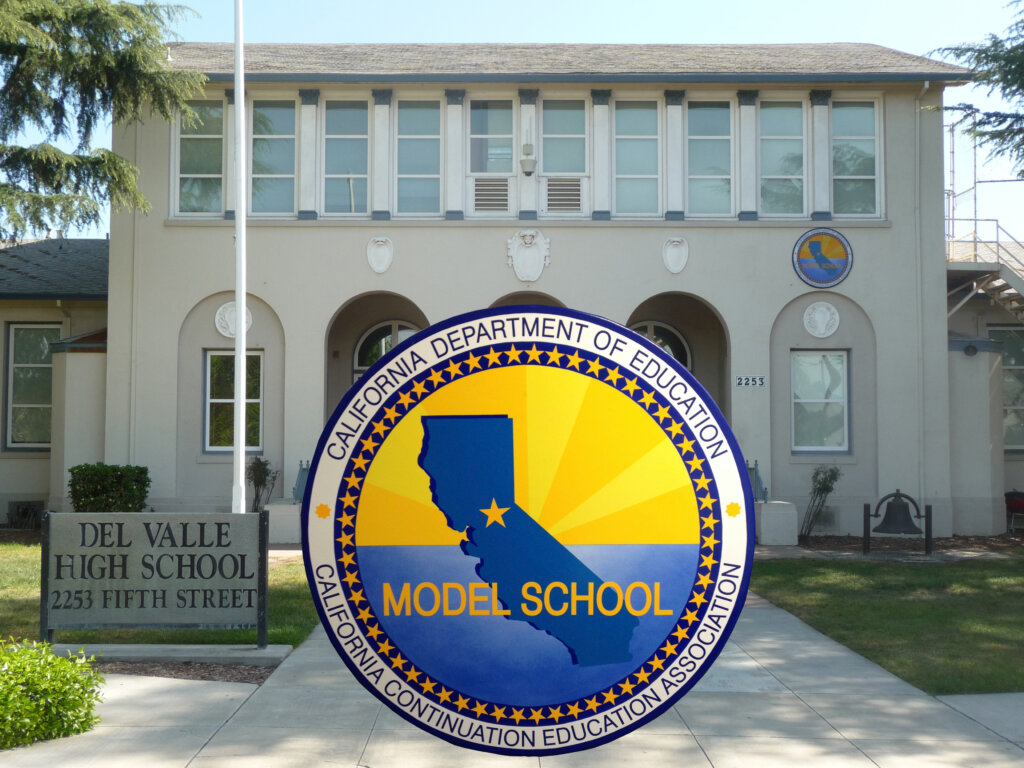 Livermore school signs del valle award front california
