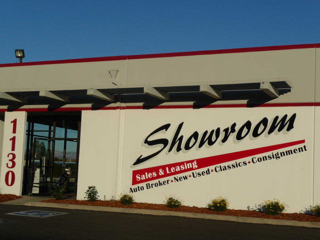 Santa Clara custom hand painted signs showroom sales leasing